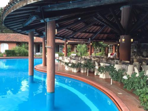 sala a bordo piscina